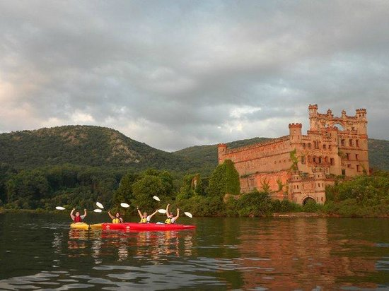 Storm King Adventure Tours: Kayaking at Bannerman's Castle