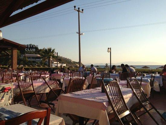 Kustur Club Holiday Village: Salle à manger extérieure