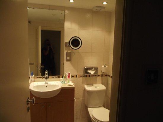 Royal Hotel Scarborough: suit bathroom