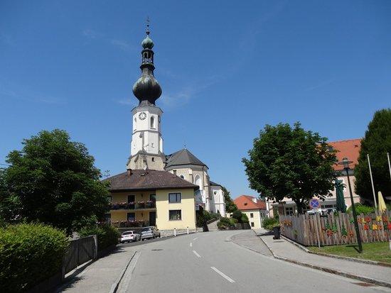 Hotel Danzer: Blick auf Aspach mit der Pfarrkirche