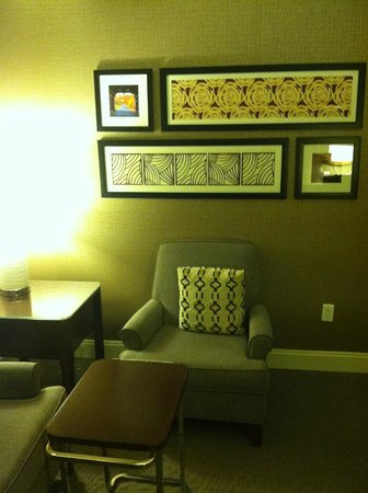 Sheraton Wilmington South : Sitting Area / Living Room Area