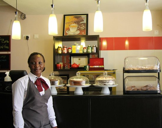 The Charcoal Grill Restaurant & Coffee Lounge: Coffee and cake.