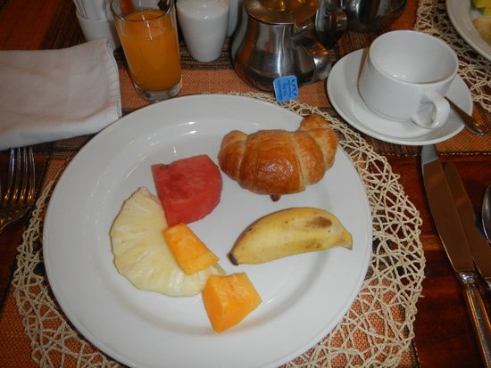 The African Tulip: Breakfast