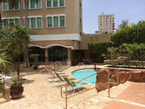 Doubletree by Hilton San Juan: The Pool