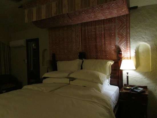 Chobe Game Lodge: bed