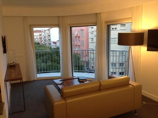 Olissippo Saldanha: vue du petit salon de la chambre avec son balcon