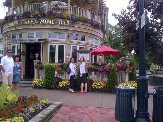 The Pillar and Post Inn, Spa and Conference Centre: Wine store on Queen Street
