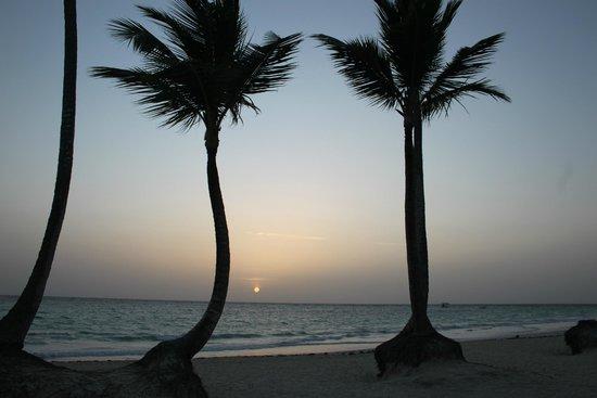 Iberostar Grand Hotel Bavaro: Dawn on the hotel's beach