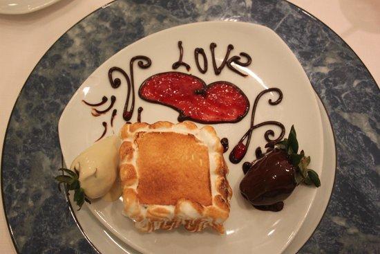 Iberostar Grand Hotel Bavaro: Lovely cake