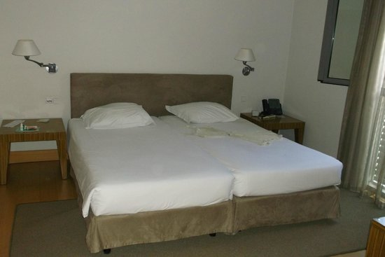 Golden Residence: спальня