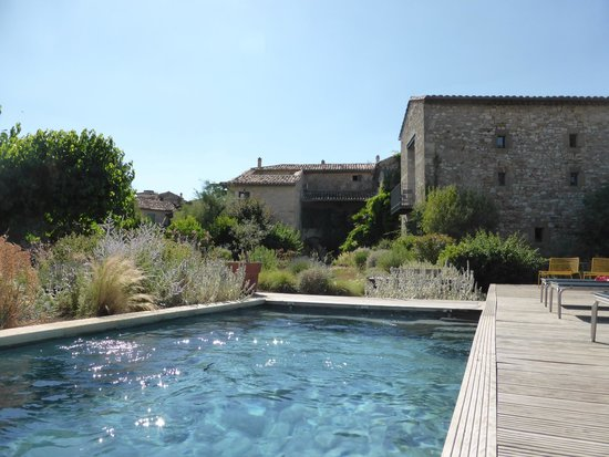 La Maison d'Ulysse : View of the hotel and the pool