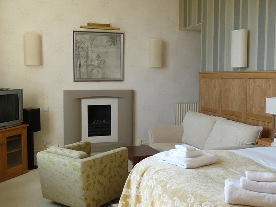 Yewfield Bed & Breakfast: Vale view