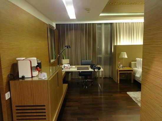 Pathumwan Princess Hotel: my upgraded room, 28 floor