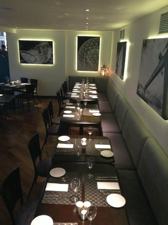 The Crescent Townhouse: Metro Kitchen Restaurant