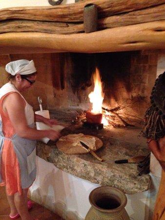 Agriturismo Li Sitagli: Il formaggio fuso col pane carasau