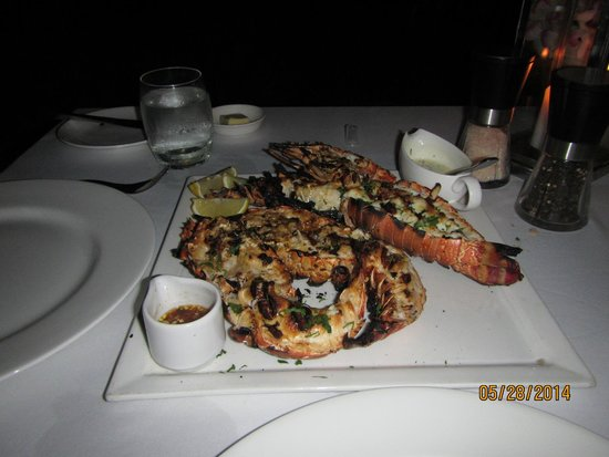 Trisara: Grilled lobster & prawns