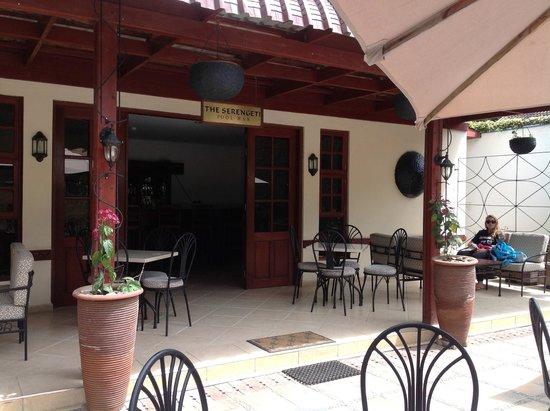 The African Tulip: Pool bar