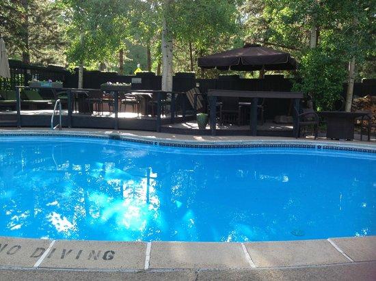 Molly Gibson Lodge : nice pool