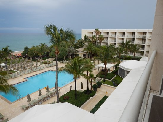 Four Seasons Resort, Palm Beach: view facing south from room #441