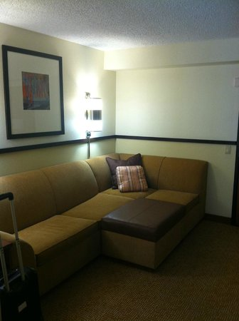 Hyatt Place Las Vegas: Living Room Area