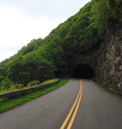 Mount Mitchell State Park: Tunnel on the Blue Ridge Parkway