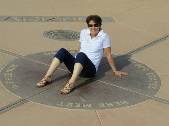 Four Corners Monument: Sitin' on the corner