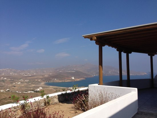 Oikia Kondos Mykonos : View from patio daytime