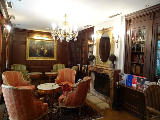 Hotel Luxembourg Parc: Sitting Room/Library