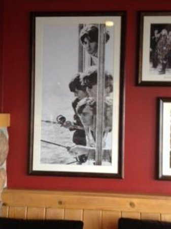 The Edgewater, A Noble House Hotel: Beatles Fishing, picture in lobby