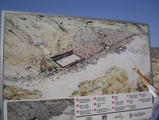 Hierapolis & Pamukkale: Снежные горы.