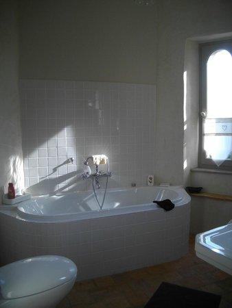 Château de Kergouanton : La salle de bain