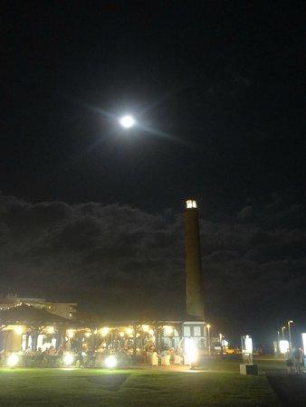Faro de Maspalomas: El Faro by night