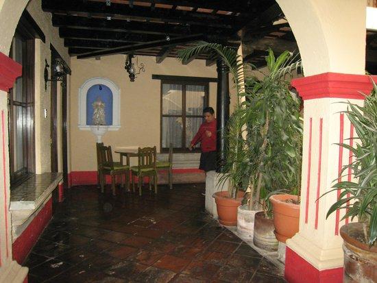 Posada Los Bucaros: hallway view