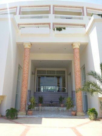 Hotel Riu Marillia: Entrada da parte de dentro