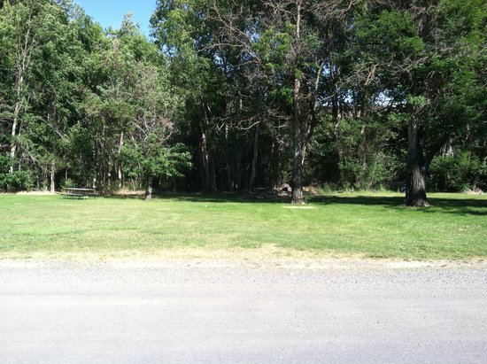 Banbury Hot Springs: Middle North tent camping area