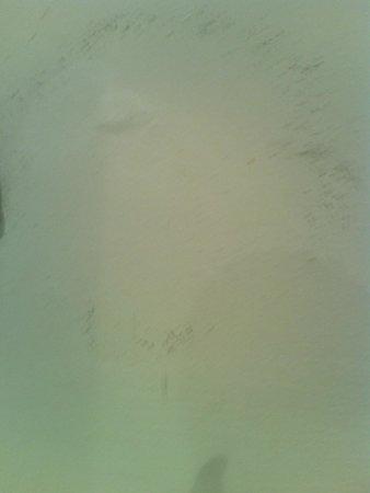 Precise Resort El Rompido - The Hotel: Humedad en el baño, detrás del espejo de aumento