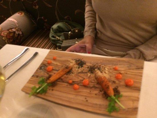 Metamorfosi Restaurant: Antipasto con carote e paté di fegato