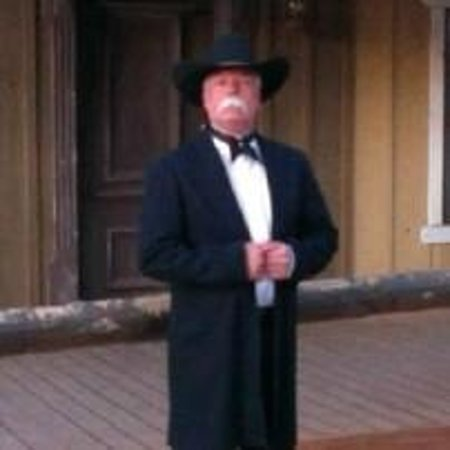 Tombstone Monument Ranch : Bring your dress up clothes