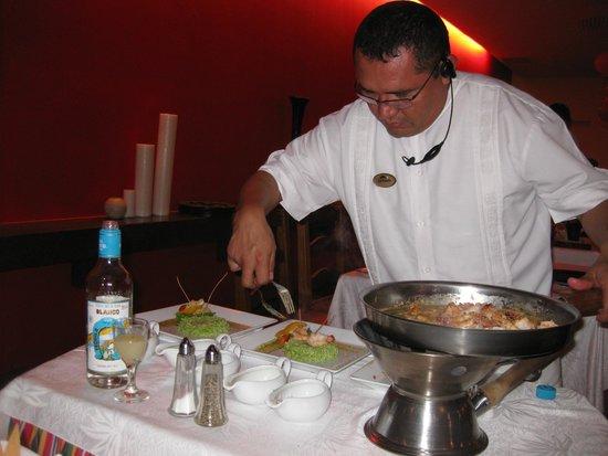 Fiesta Americana Condesa Cancun All Inclusive: Preparing a Special Meal in the Mexican Restaurant