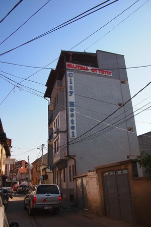 City Hostel : From the street