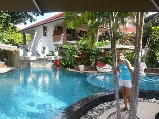 Le Duc de Praslin : piscine de l'hotel
