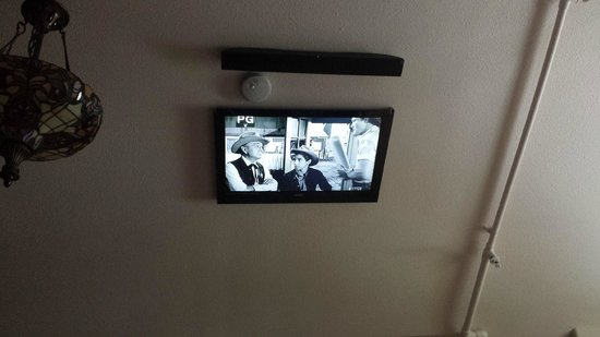 Residence Hill Bed Breakfast TV With Sound Bar Mounted To Vaulted Ceiling