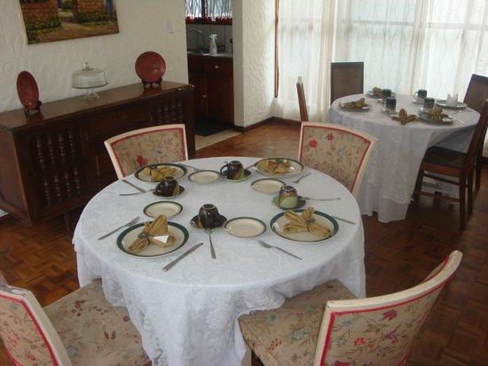 LisaTec Bed & Breakfast : Incredible Breakfast area
