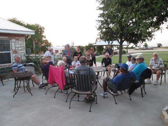 The Veranda Inn: Nightly gab session
