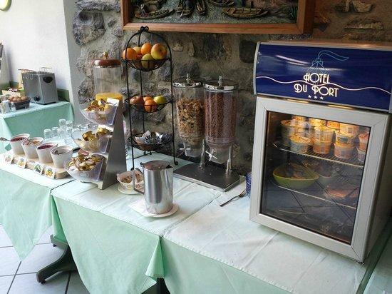 Hotel du Port: Frühstückraum rechts detail