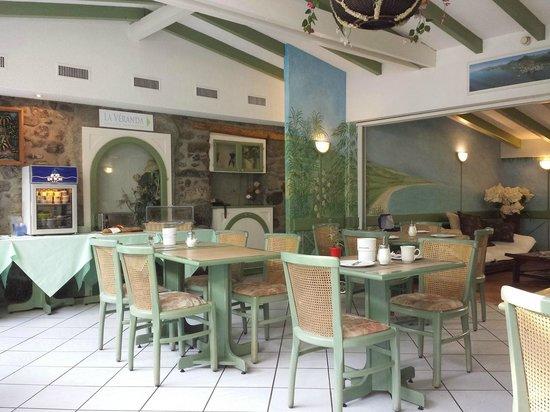Hotel du Port: Frühstückraum rechts