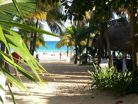 Hotel Riu Playacar : Salida a la Playa