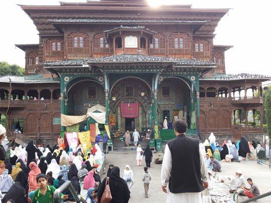 Shah-e-Hamdan : shah e hamdan