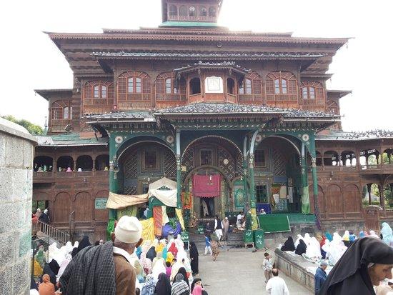 Shah-e-Hamdan: shah e hamdan