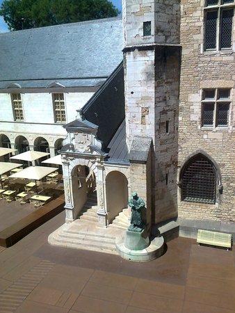 Musée des Beaux-arts de Dijon : Il cortile interno